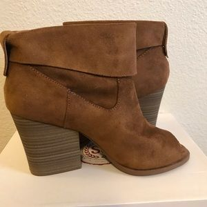 Women's Peep Toe Ankle Boots Size 9